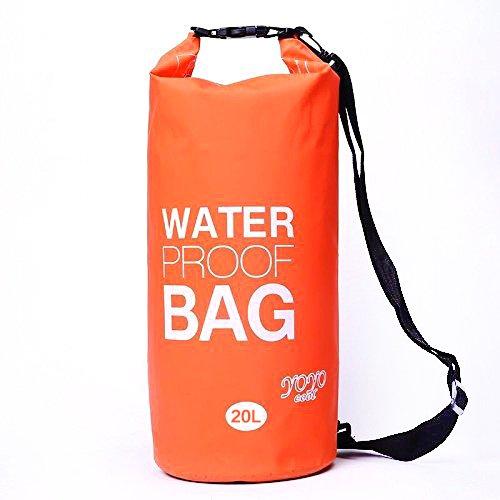 防水バッグはダイビングやアウトドアで人気。販売店はこちら